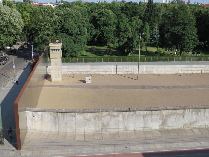 ベルリンの壁の歴史を感じられる場所5選様々な視点でベルリンの壁を見