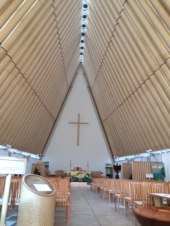 神 の た 教会 壊れ