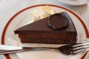 ウィーンで絶対食べたい!カフェ・ザッハのザッハトルテ