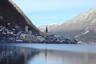オーストリア世界遺産ハルシュタットの神秘の歴史と冬ナイトウォーク