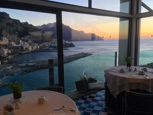 冬でもこの青空!アマルフィ海岸と南イタリアの旅へ!