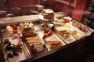 ウィーンの皇室御用達カフェ「デメル」で上流階級気分を満喫