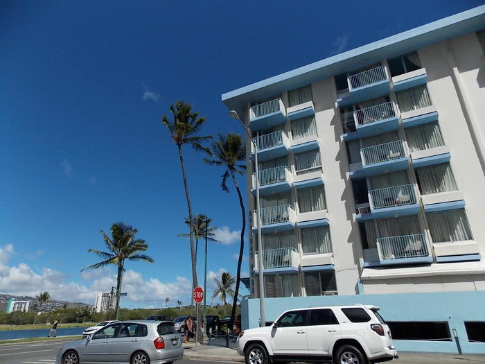 ハワイ1写真1Holiday Surf Hotel.JPG