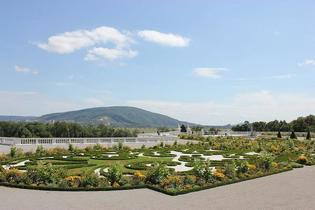 【オーストリア】宮殿で開催!優雅なイースターマーケットで春を感じよう♪