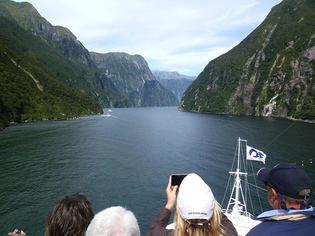 クルーズ船でニュージーランドを周遊!船から見る絶景「ミルフォードサウンド」って素敵やん!!