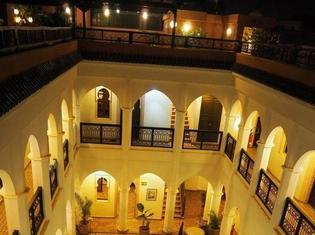 モロッコで発見!2000円以下でプール付き?!まるでリゾートホテルのような安宿。