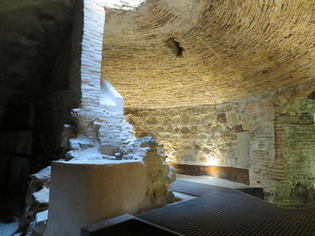 スペイン・世界遺産の街トレド。その地下に広がる世界を見に行こう。