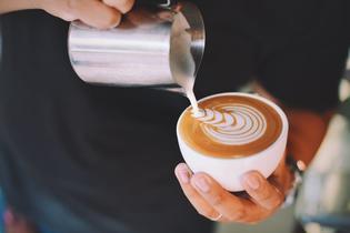 イタリアのバールでカッフェ(コーヒー)を注文するには?便利な知識を紹介!