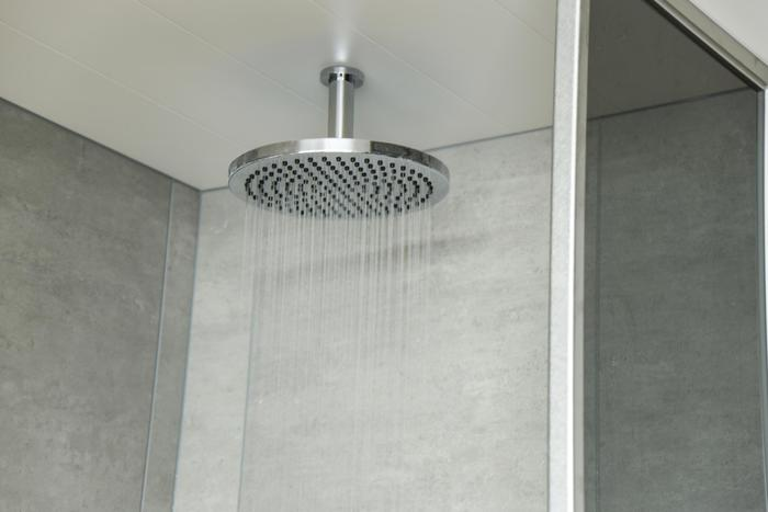 「THERMAL SPA S.WAVE 大磯プリンスホテル」エクスペリエンスシャワー アロマの香りがするお水が出てくるシャワー