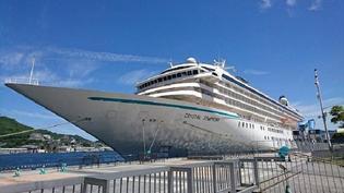 ラグジュアリー船「クリスタル・シンフォニー」が長崎にやって来た!