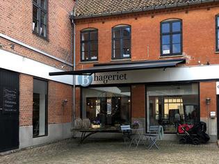 デンマーク・フレデリクスボー城近くにあるHillerødの心地よいカフェB-hageriet!