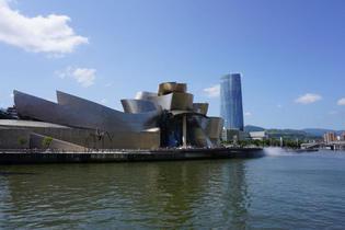 バスク最大都市・ビルバオのお散歩コースをご紹介