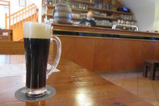 ビールひとりあたりの消費量は世界一!チェコのビアホール「ホスポダ」へ行ってビールとチェコ料理を楽しもう!