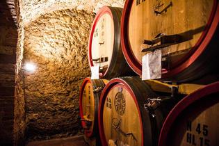 最もイタリアらしい風景「オルチャ渓谷」を越え、シエナ人執念のワイン「モンタルチーノ」の町へ