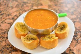 おすすめレシピ付き!イタリアの食べるスープ「ズッパ」とは?