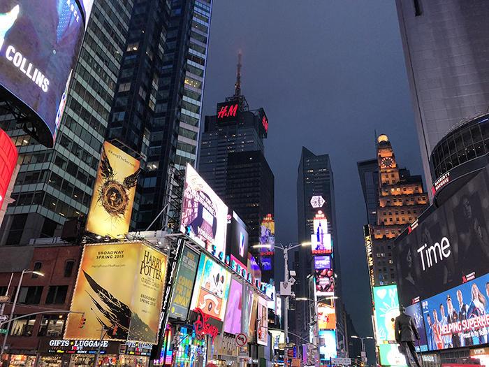 ニューヨークとワシントンDCは観光名所もテレビや雑誌で有名なスポット ...